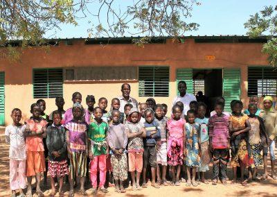 Les filleules de l'école A de Dapelogo © Bernadette Payot